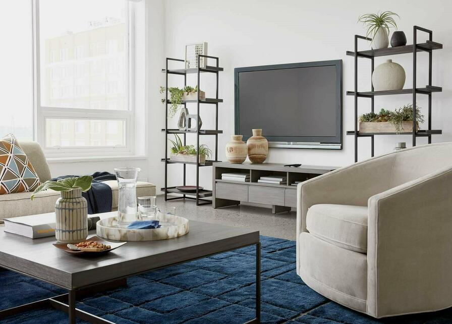 Minimum nábytku vďaka čomu miestnosti nechýba vzdušnosř.